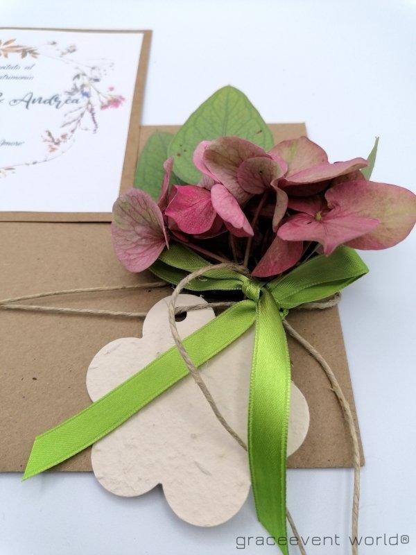 partecipazione con busta e fiori