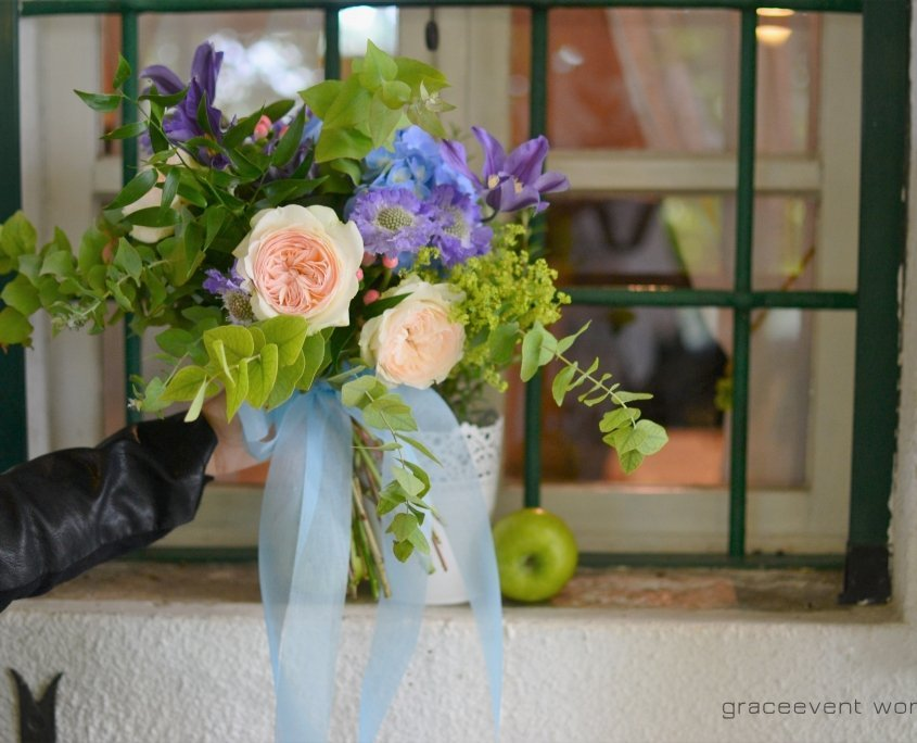 buoquet sposa colorato blu viola rosa